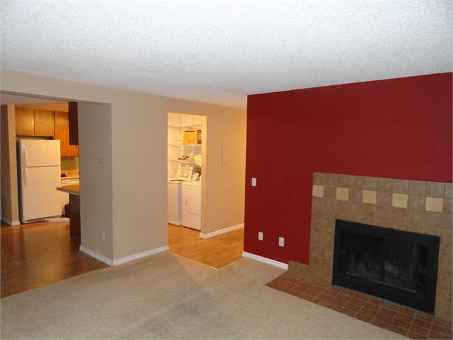Fort Collins Co Rentals Two Bedroom Baystone Condo For Rent Just 2 Blocks From Csu